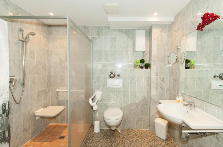 Badezimmer, behindertengerecht