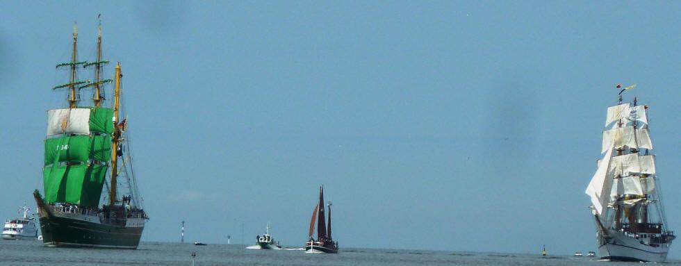 Alexander-Humboldt II beim Einlaufen in den Hafen