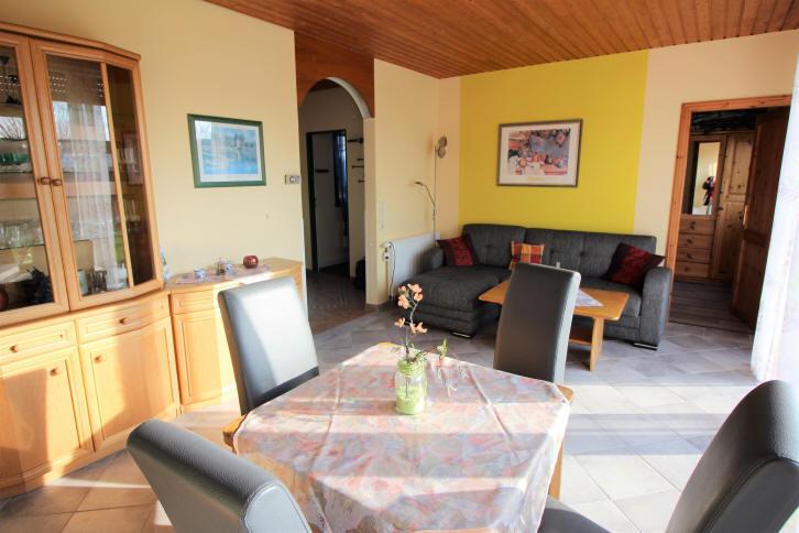 Blick durch das Wohnzimmer in Bensersiel Taddingsh?n 256