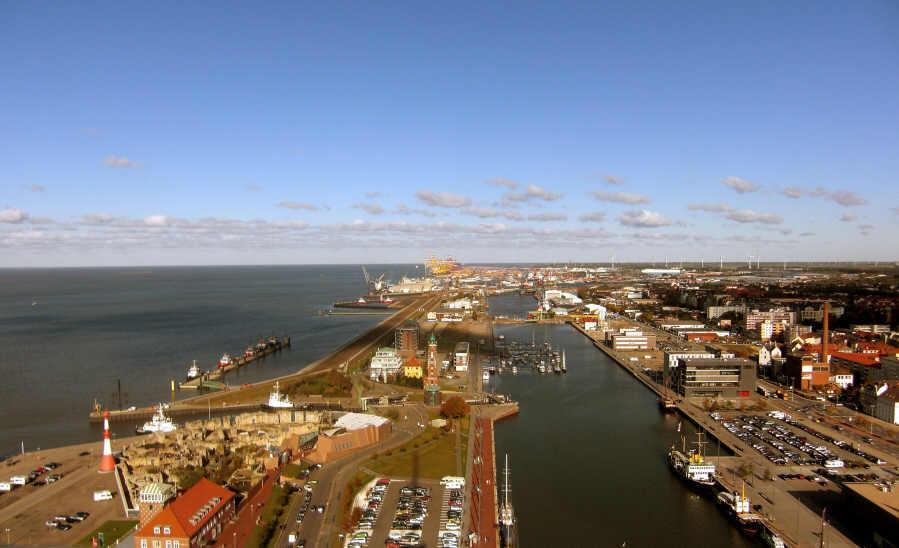 Blick von der Aussichtsplattform vom Hotel Sail City