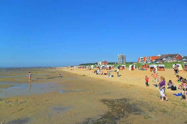 traumhaft sch?es Wetter und sch?e Sandstr?de in Cuxhaven Sahlenburg.