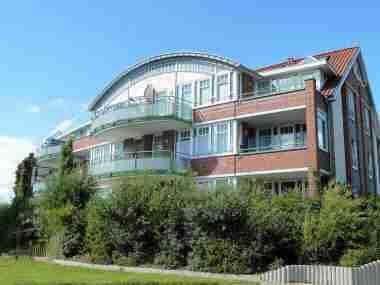 Vitamar Dorum-Neufeld, Ferienwohnungen mit hallenbadnutzung und ohne Hallenbadnutzung. Auch ferienwohnungen mit Meerblick