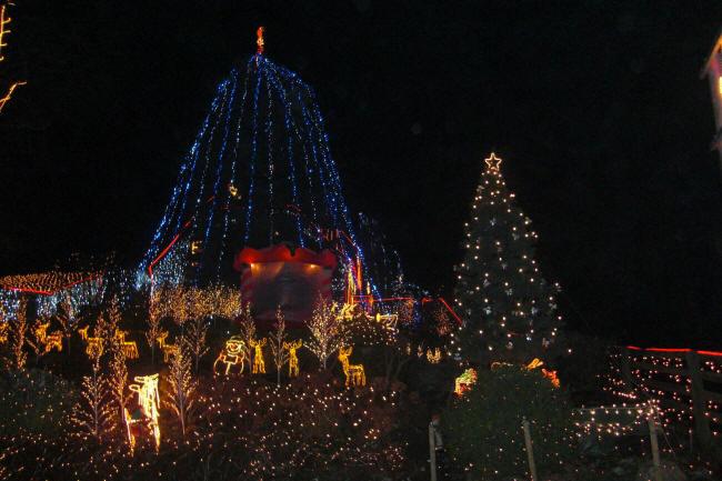 Kalle Niedersachsen Weihnachtsbeleuchtung.Weihnachtshaus In Calle