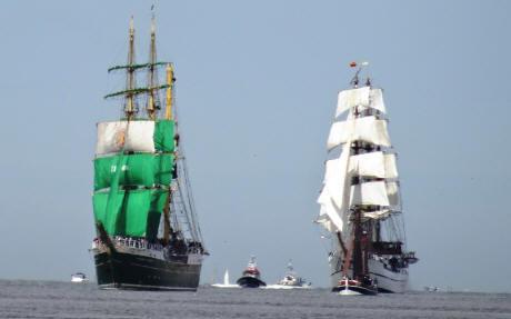 Alexander-Humboldt II f�ƒ¼hrte die Einlaufparade an