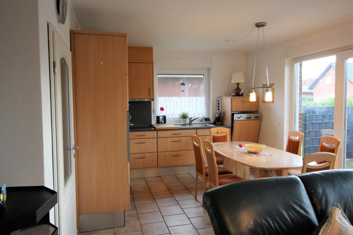 Ferienhaus Solar im November 2017, Wohnzimmer mit integrierter Küche