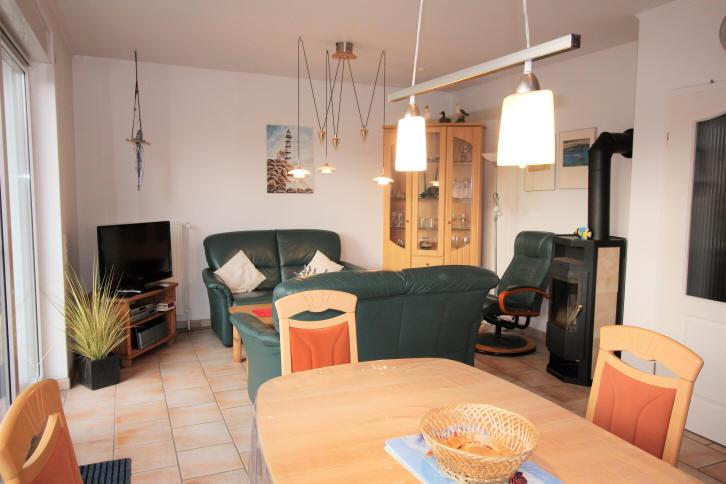Ferienhaus Solar im November 2017, Wohnzimmer mit Kamin