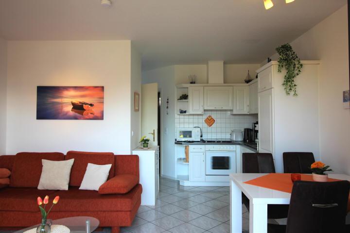 Wohnzimmer im Haus Sonnenstrahl erstrahlt im neuen Glanz