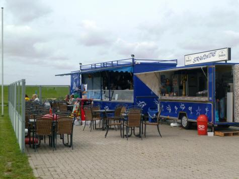 gem�ƒ¼tliches Cafe am Strand von Spieka-Neufeld.