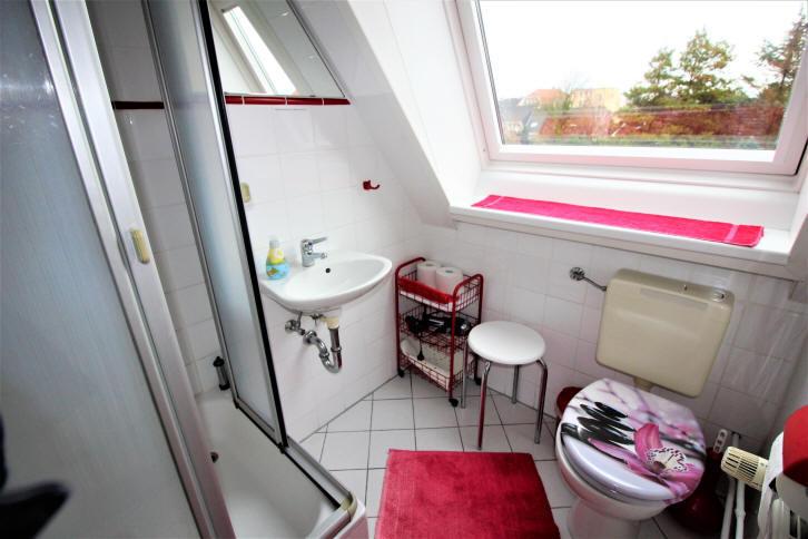 Bad Ferienwohnung im Dachgeschoss im haus Wiking in Cuxhaven Grimmershörn
