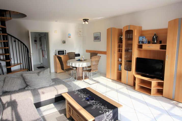 schönes, helles, großes Wohnzimmer