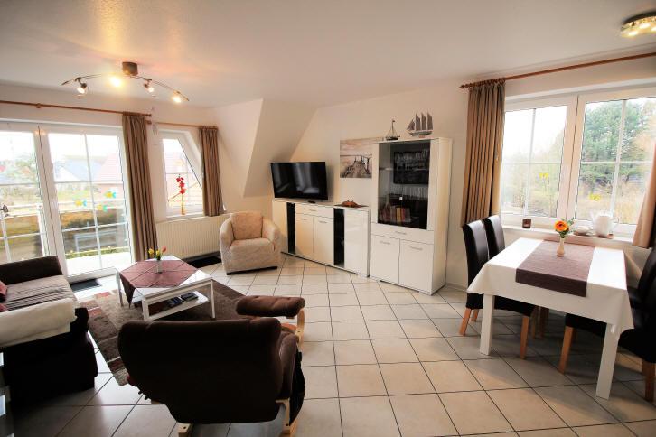 Haus Sonnenstrahl Obergeschosseckwohnung mit Strandkorb, Geschirrspüler und WLAN. Modern eingerichtet