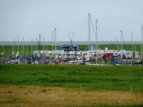 Der Yachthafen in Spieka-Neufeld