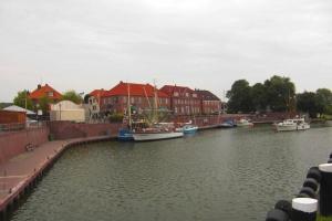 der alter Hafen mit den Speicherhäusern unter Denkmalschutz