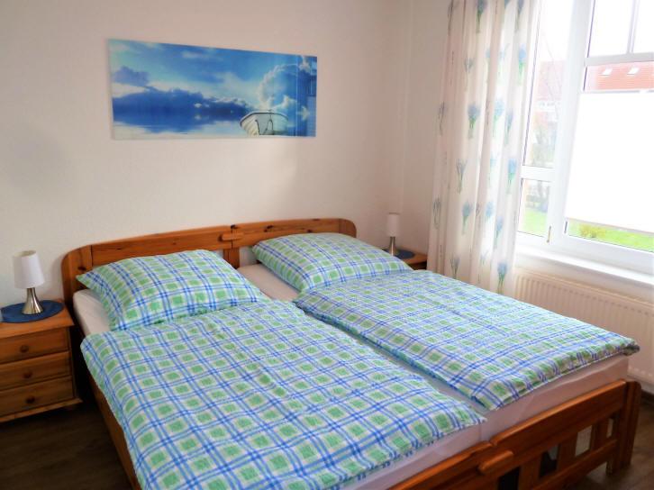 Vitamar Dorum-Neufeld, z.B. Haus Jupiter Wohnung Dat Schott, hier das Schlafzimmer