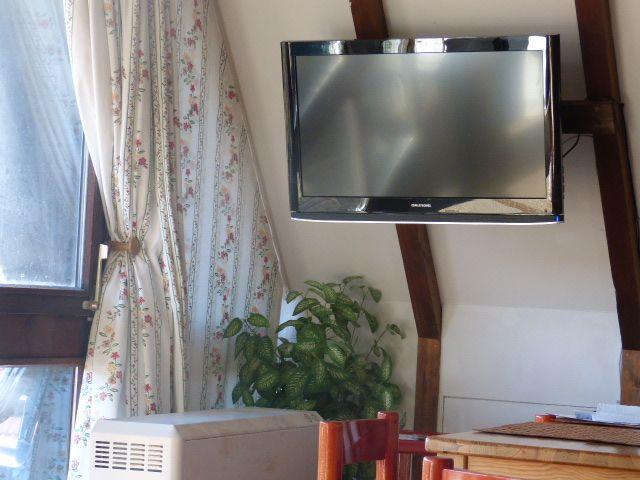 Fernseher im Krähennest