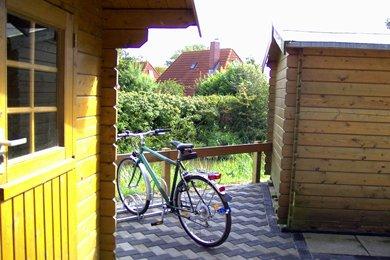 Abstellständer Fahrräder ( einer von zwei Abstellplätzen)