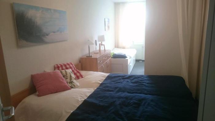 großes Schlafzimmer mit 3.Bett 80 x 200 cm