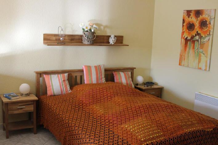Schlafzimmerbereich in der ferienwohnung Roth
